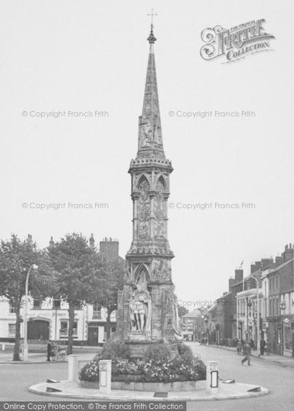 Photo of Banbury, Cross c.1955