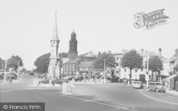 Banbury, Cross c.1955