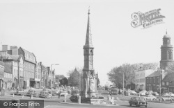 Banbury, Cross c.1965