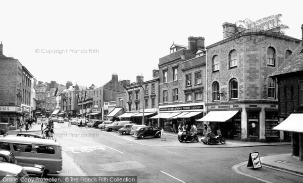 Photo of Banbury, High Street c.1960