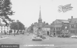 Banbury, The Cross And High Street c.1960
