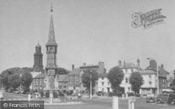 Banbury, The Cross And St Mary's Church c.1955