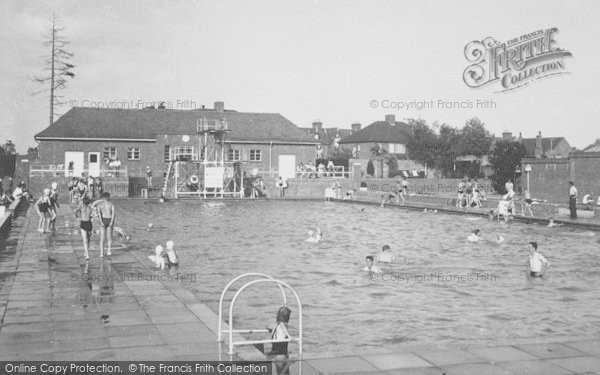 Photo of Banbury, The Swimming Pool c.1955