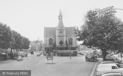 Banbury, The Town Hall And High Street c.1960