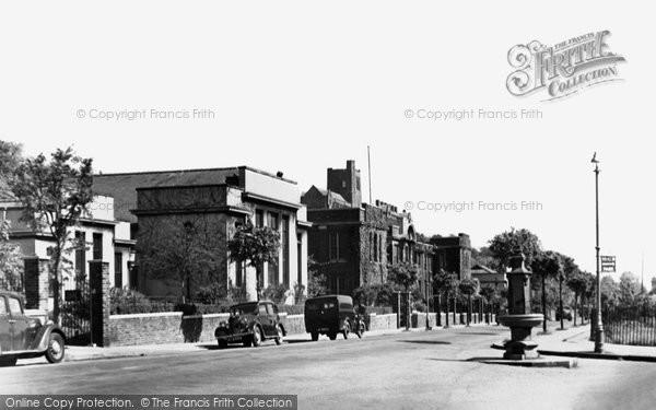 Photo of Bangor, Deiniol Road c.1950
