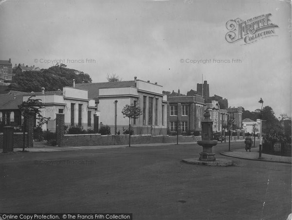Photo of Bangor, University School Buildings 1930