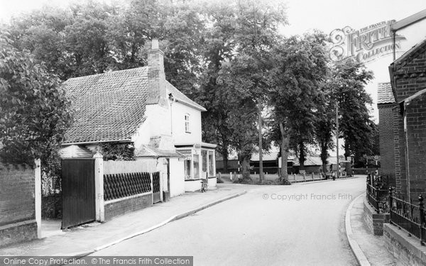 Banham, Post Office And Green c.1960