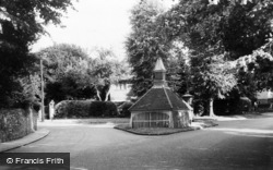 Banstead, The Old Well c.1960