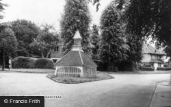 Banstead, The Well c.1965