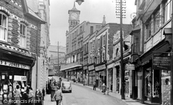 Bargoed, High Street 1951