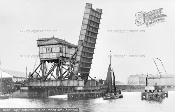 Photo of Barking, Bascule Bridge c.1920