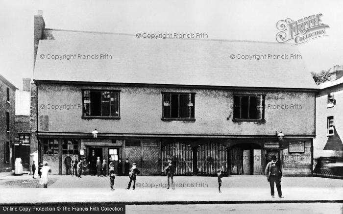 Photo of Barking, Elizabethan Court And Market House 1912