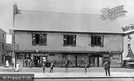 Barking, Elizabethan Court And Market House 1912