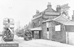 Barkingside, Old Chequers Inn, High Street c.1905