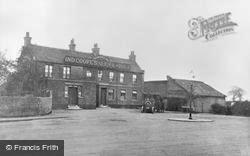 Barkingside, The Old Maypole Inn c.1910
