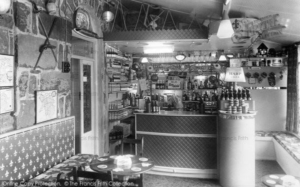 Barmouth, Hendre Mynach Hall Hotel, The Cocktail Bar c.1960