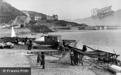 Barmouth, Mending The Nets c.1890