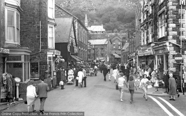 Barmouth, The Shopping Centre c.1965