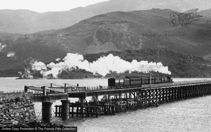 Barmouth, Train Crossing The Railway Bridge 1896