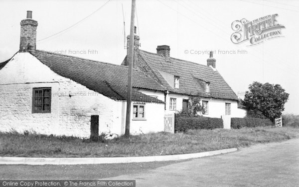 Photo of Barmston, The Cottages c.1955