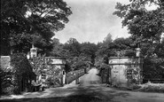 Barnard Castle, Abbey Bridge, Toll Gates 1903