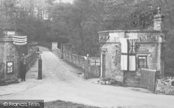 Barnard Castle, The Abbey Toll Bridge c.1930
