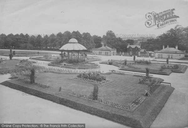 Photo of Barnard Castle, the Bowes Museum, the Gardens 1914, ref. 67175