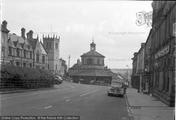Barnard Castle, The Market Cross And Church 1951