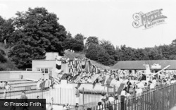 Barnehurst, Martens Grove Swimming Pool c.1955