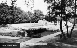 The Swimming Pool, Martens Grove c.1965, Barnehurst