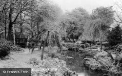 Barnet, Highland Gardens, New Barnet c.1960