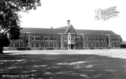 Barnet, Queen Elizabeth's School For Boys c.1965