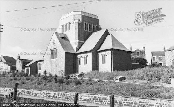 Photo of Barnoldswick, Holy Trinity Church c.1960