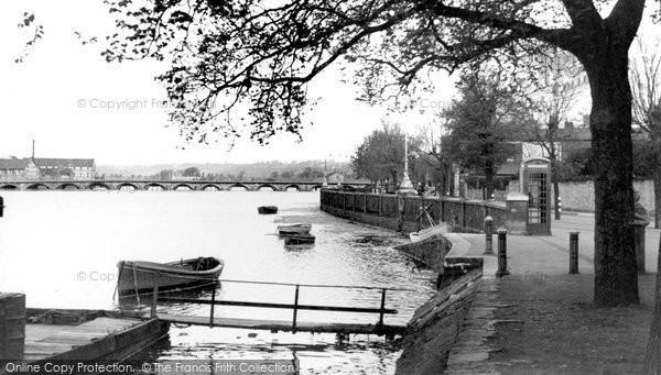 Barnstaple, Embankment From Park c.1950