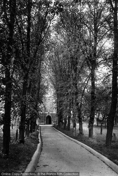 Barnstaple, St Mary's Church Walk 1919