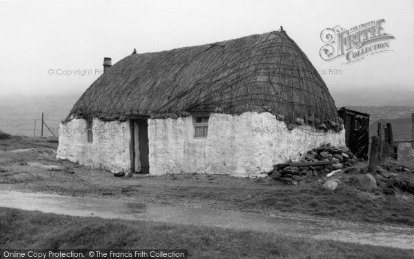 Barra, Thatched Cottage 1960