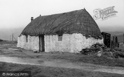 Thatched Cottage 1960, Barra