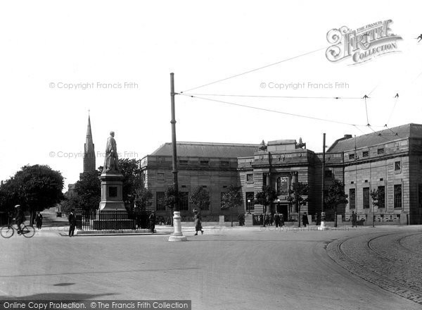 Barrow In Furness, Ramsden Square And Library 1924