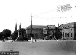 Barrow-In-Furness, Ramsden Square And Library 1924, Barrow-In-Furness