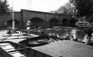 Barrow Upon Soar, The Bridge And River c.1965