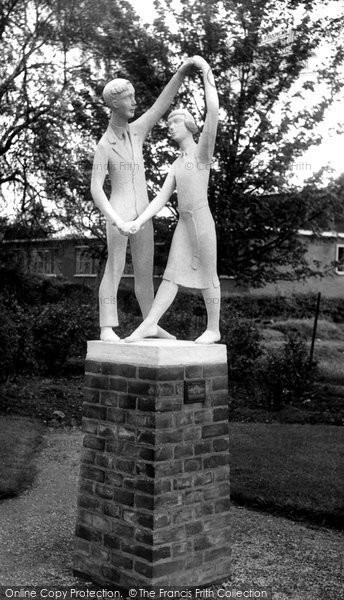 Barrow Upon Soar, The Statue c.1955