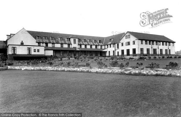 Photo of Barry, Glan-y-Mor, the Knap c1960