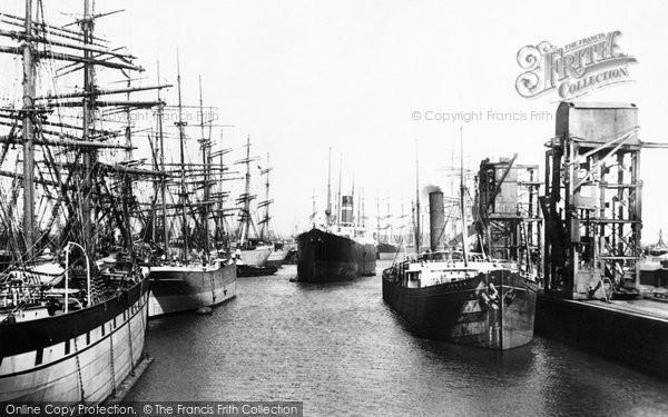 Barry, The Docks 1899