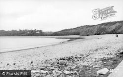 Barry, The Pebble Beach And Porthkerry c.1960