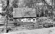 Barton Seagrave, Old Cottage c.1955