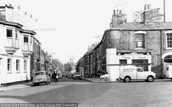 Barton Upon Humber, High Street c.1960