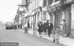 Barton Upon Humber, People, Market Place c.1960