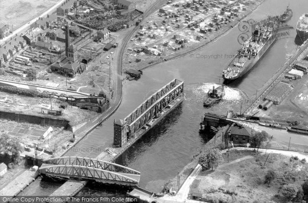 Barton Upon Irwell, The Manchester Ship Canal c.1965
