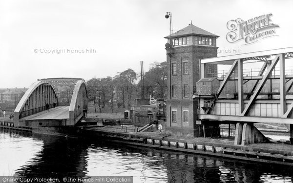Barton Upon Irwell, the Road Bridge and Aqueduct c1955