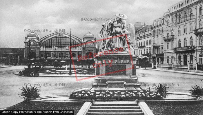 Photo of Basel, Station Square c.1930